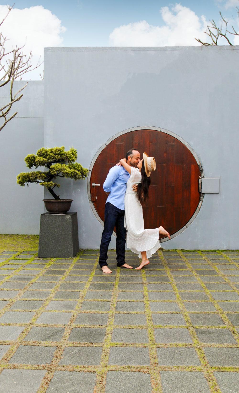 Couple kissing in The Lalu Sun Moon Lake Hotel in Taiwan
